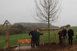 Baumpflanzung am Vlattener Kreuz (Luca-Eiche)  23.03.2019
